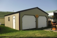 20x21x8 Vertical Roof Enclosed - Vertical Siding